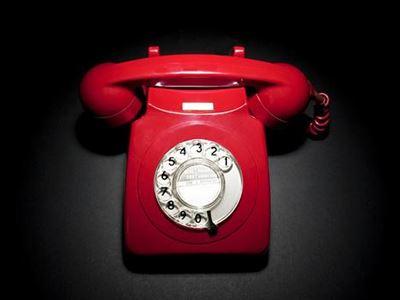 Το δημόσιο διαπραγματεύεται τους λογαριασμούς για τα...τηλέφωνα
