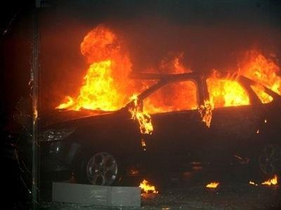 Φωτιά σε αυτοκίνητα στους δήμους Χαλανδρίου και Παπάγου