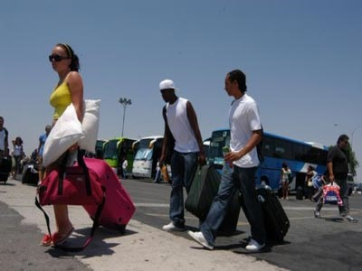 Ο τουρισμός έδωσε 17 δισ. ευρώ στην οικονομία το 2014