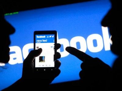 Πώς ένα ψεύτικο προφίλ στο facebook μπορεί να επηρεάσει τη μνήμη