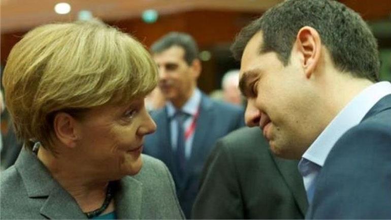 Financial Times: O Τσίπρας προειδοποίησε τη Μέρκελ για στάση πληρωμών