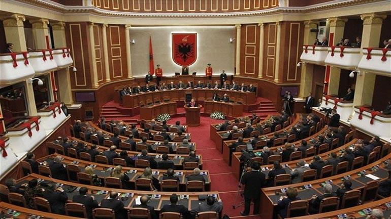 Aλβανία: Σύλληψη δύο βουλευτών για ψευδείς καταθέσεις