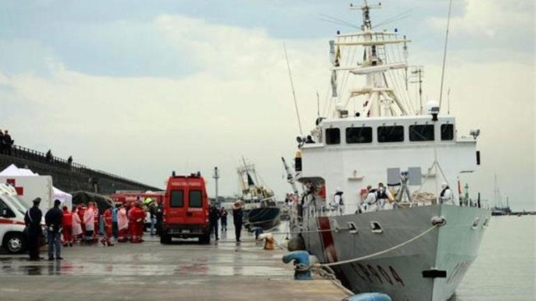 Ιταλία: Διασώθηκαν σχεδόν 3.700 μετανάστες που επέβαιναν σε αλιευτικά