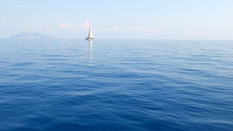 «Κρυστάλλινα» τα νερά στην Ελλάδα - Ιδανικός προορισμός για κολύμπι