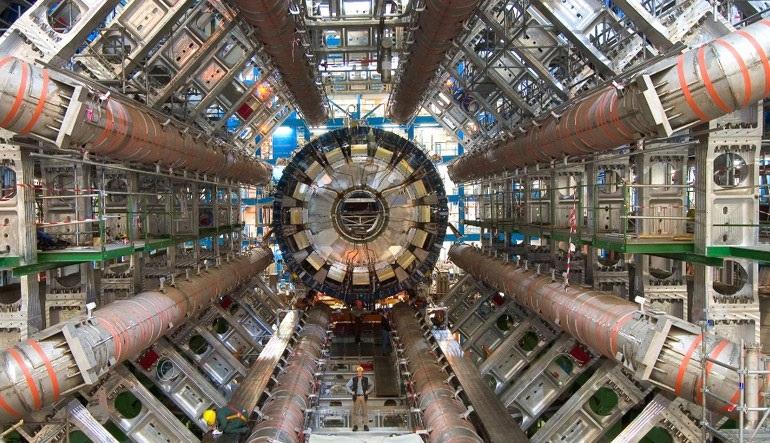 Σε λειτουργία τέθηκε ο επιταχυντής του CERN
