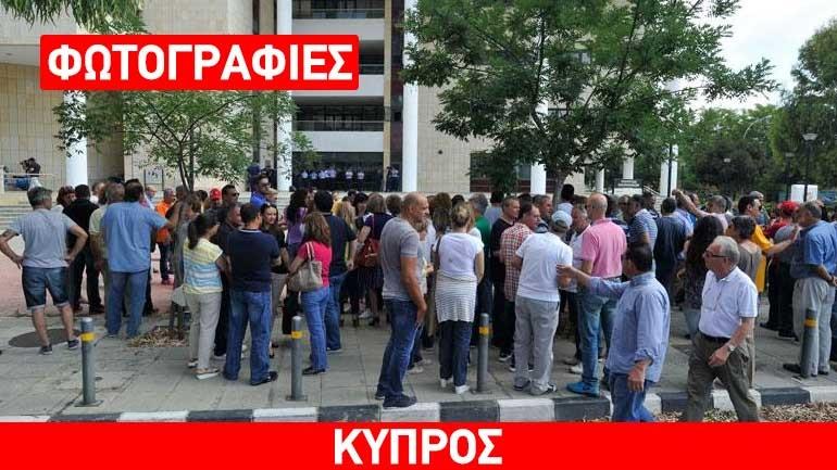 Στο ΥΠΟΙΚ οι απολυμένοι εργαζόμενοι των Κυπριακών Αερογραμμών