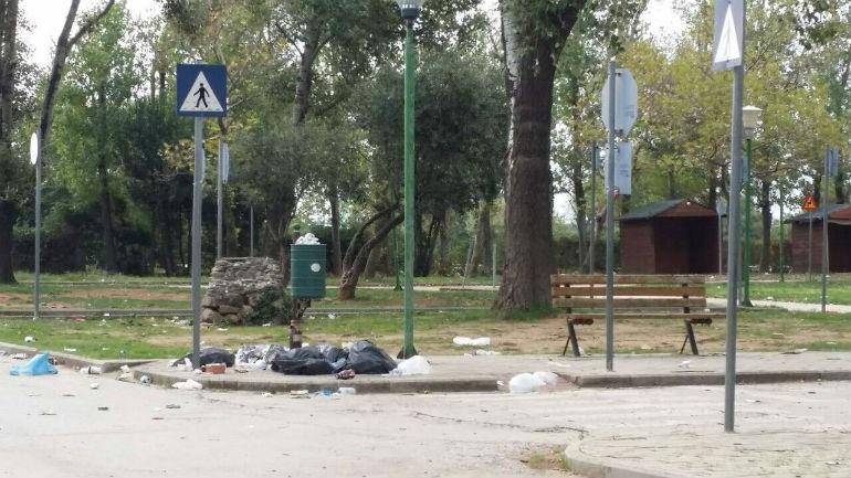 Αλεξανδρούπολη: Το πάρκο Κυκλοφοριακής Αγωγής έγινε... σκουπιδότοπος