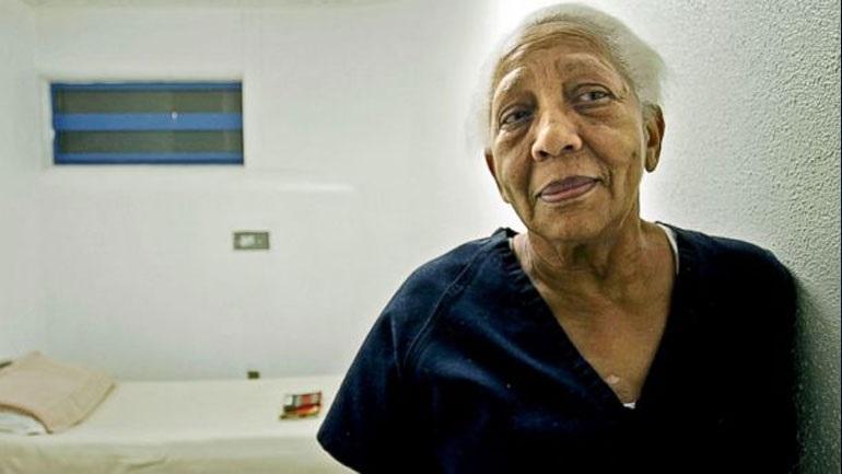 f326fec4cb Στη φυλακή και πάλι η διαβόητη κλέφτρα κοσμημάτων Ντόρις Πέιν