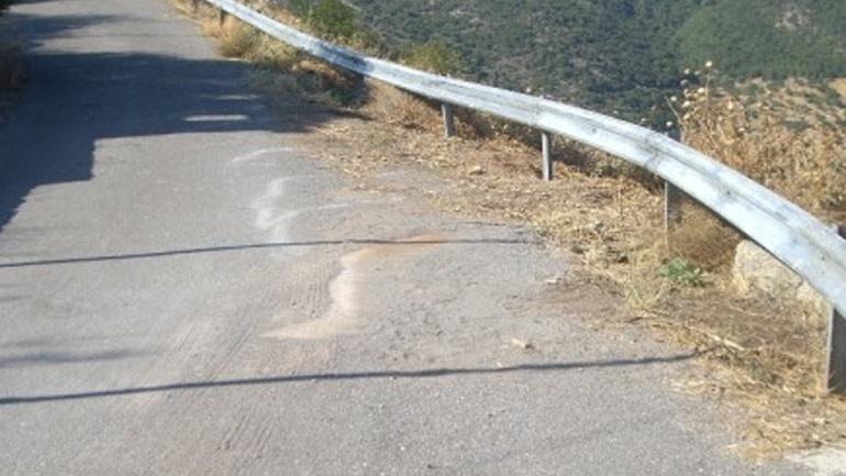 Ξήλωναν προστατευτικές μπάρες της εθνικής οδού για να τις πουλήσουν