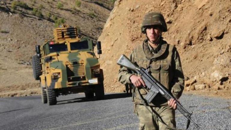 Ο τουρκικός στρατός σκότωσε 16 Σύρους πρόσφυγες που αποπειράθηκαν να περάσουν τα σύνορα