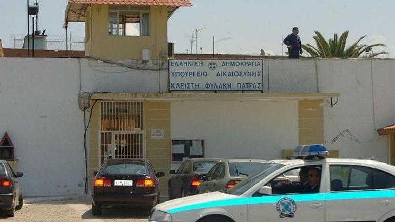 Μαχαίρωσαν Αλβανό βαρυποινίτη μέσα στο κελί του