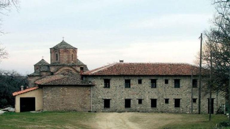 Λαρισα:  Μοναχός έγινε καπνός με εικόνες, μετρητά και λείψανα του Μοναστηριού