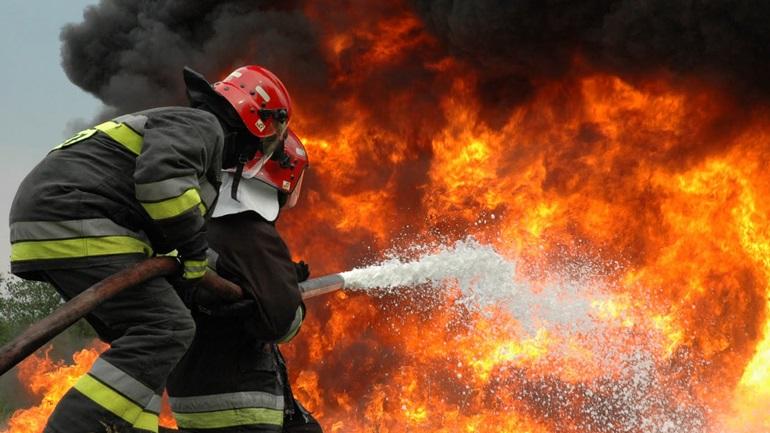 Αποτέλεσμα εικόνας για πυροσβεστης
