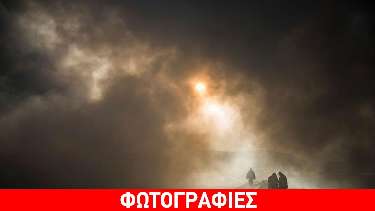 """Μοσούλη: Οι τζιχαντιστές καίνε τις πετρελαιοπηγές προκαλώντας """"κόλαση"""" ρύπανσης στον ιρακινό ουρανό"""