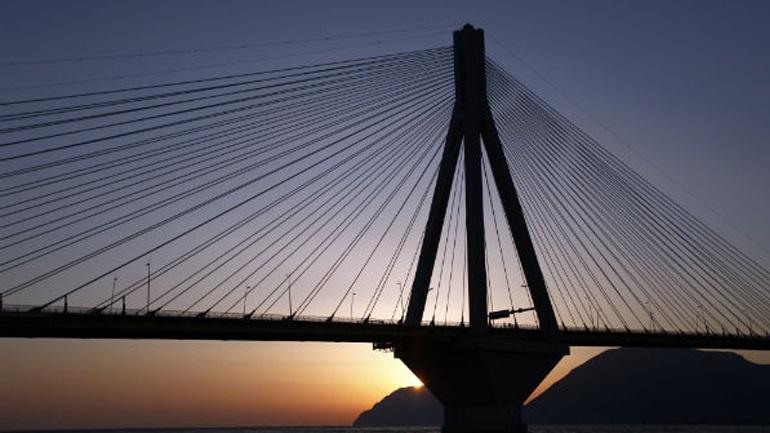 Αχαΐα: Το πτώμα γυναίκας ανήκει σε νεαρή που αυτοκτόνησε από τη γέφυρα Ρίου