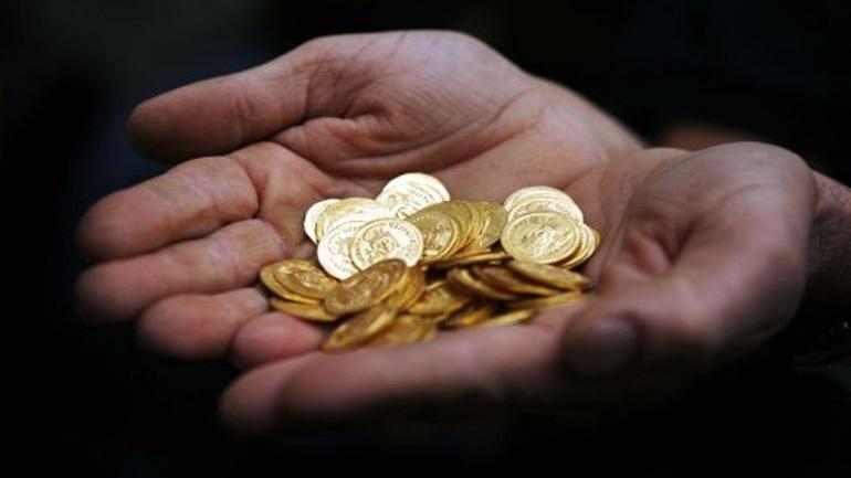 Οι Έλληνες ρευστοποιούν χρυσές λίρες Αγγλίας για να αντεπεξέλθουν στις υποχρεώσεις