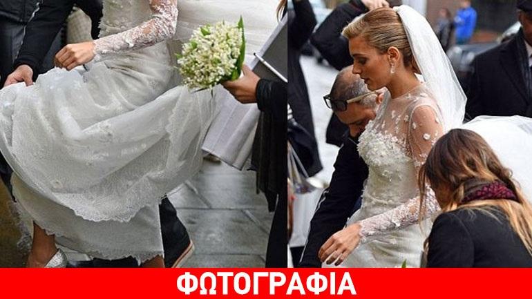 Μαριάννα Γουλανδρή: Ο ξένος Τύπος σχολίασε τις ασημένιες γόβες που φόρεσε στον γάμο!