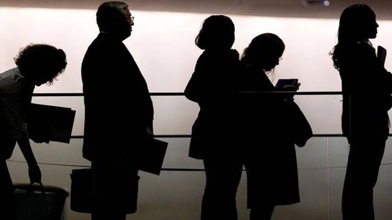 Μακροχρόνια άνεργοι πάνω από 800.000 πολίτες