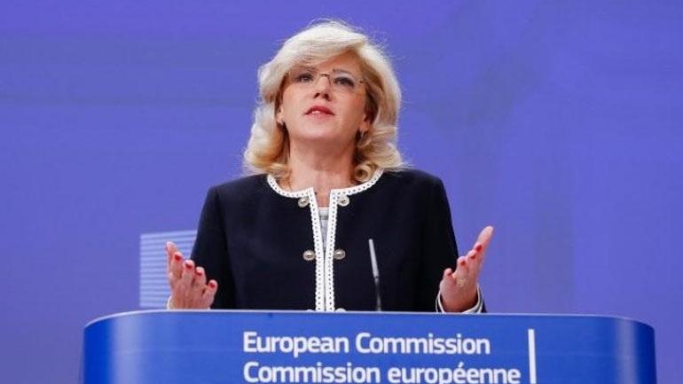Θερμός διάλογος βουλευτή του ΚΚΕ με επίτροπο της ΕΕ