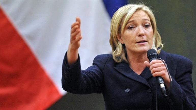 """Η Μαρίν Λεπέν υπόσχεται ότι θα προφυλάξει τη Γαλλία από την """"άγρια παγκοσμιοποίηση"""""""