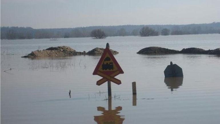 Θεσσαλονίκη: Υπερχείλισε ο Γαλλικός ποταμός στην περιοχή της Σίνδου