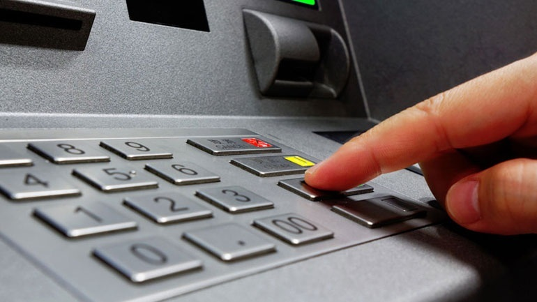 Καλαμάτα: Εξιχνιάστηκαν τέσσερις απόπειρες κλοπών σε τραπεζικά μηχανήματα αυτόματης ανάληψης μετρητών