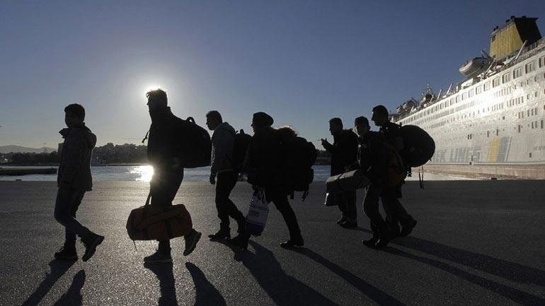Ηράκλειο: Έφθασαν οι πρώτες οικογένειες προσφύγων που θα φιλοξενηθούν προσωρινά στην Κρήτη