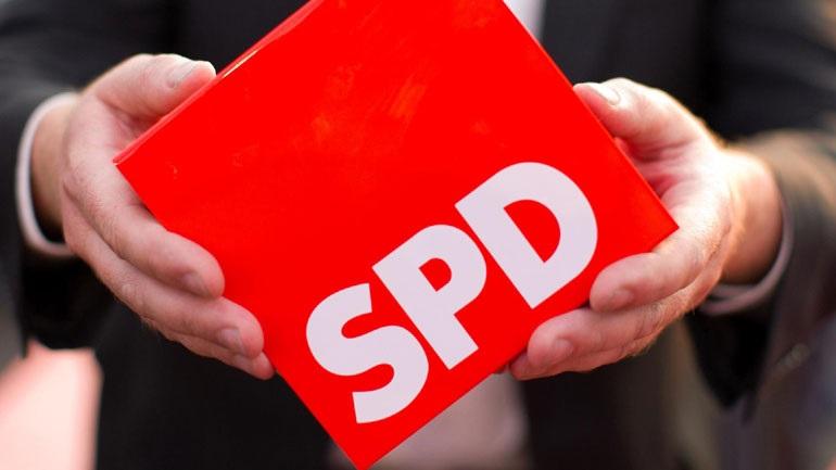To SPD παγώνει την ελληνική δόση και ζητά ολομέλεια της Bundestag