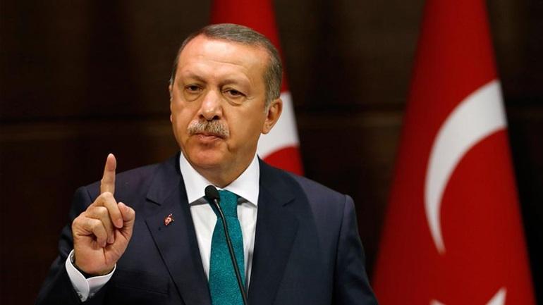 Λιποθυμικό επεισόδιο Ερντογάν κατά τη διάρκεια προσευχής