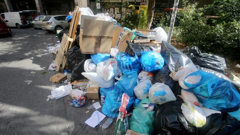 Θέμα συζήτησης στον γερμανικό Τύπο το ατέλειωτο… σκουπιδαριό στις ελληνικές πόλεις
