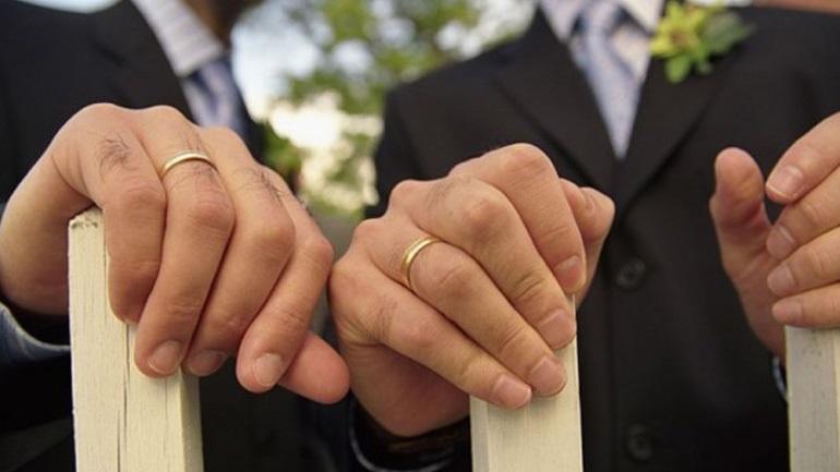 Ψηφίζουν στη Γερμανία για τους γάμους ομοφυλόφιλων