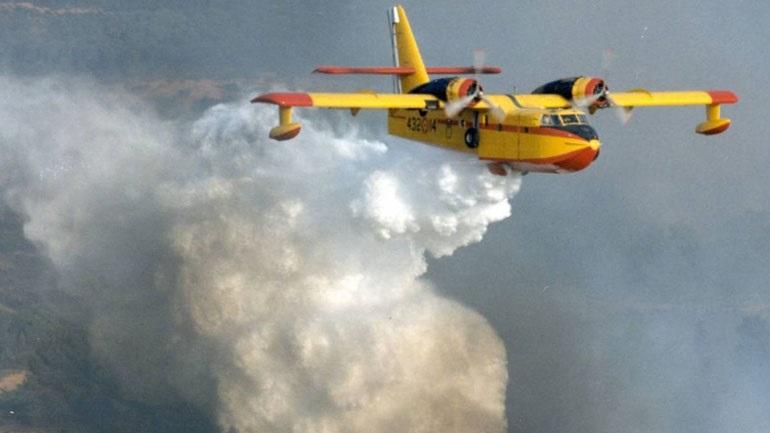 Σε «υψηλή ετοιμότητα» για τον καύσωνα οι πιλότοι των Canadair