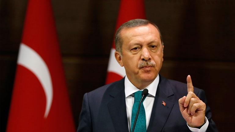 Ο Ερντογάν «υπέρμαχος της ελευθερίας του Τύπου» για άλλες χώρες