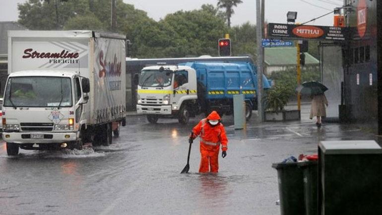 Νέα Ζηλανδία: Τυφώνας παρέλυσε τις συγκοινωνίες