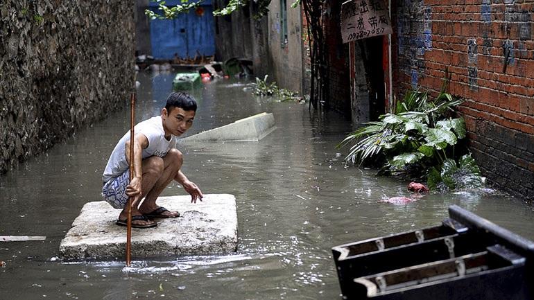 Σε «μπλε συναγερμό» η Κίνα: Έρχονται σφοδρές καταιγίδες