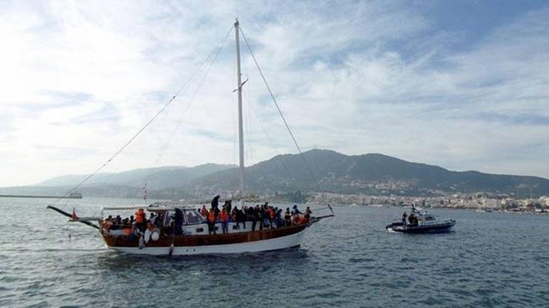 Ιστιοφόρο με 55 μετανάστες και πρόσφυγες εντοπίστηκε 15 ναυτικά μίλια ν/δ των Κυθήρων