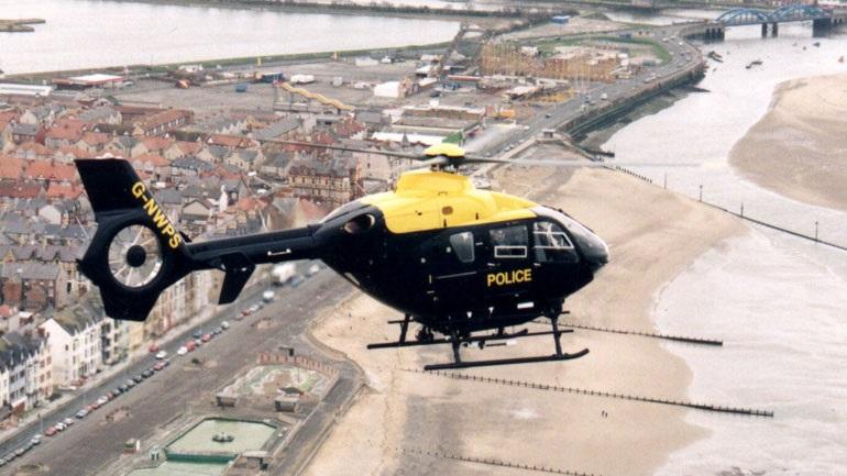 Βρετανία: Πρώην αστυνομικός χρησιμοποιούσε το ελικόπτερο της υπηρεσίας για... μπανιστήρι