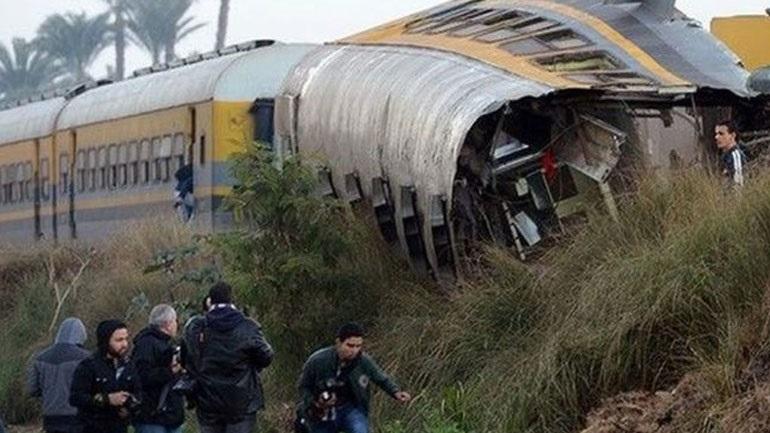 Αίγυπτος: Στους 41 νεκρούς και 179 τραυματίες ανήλθε ο φόρος αίματος από τη σύγκρουση των δύο τρένων