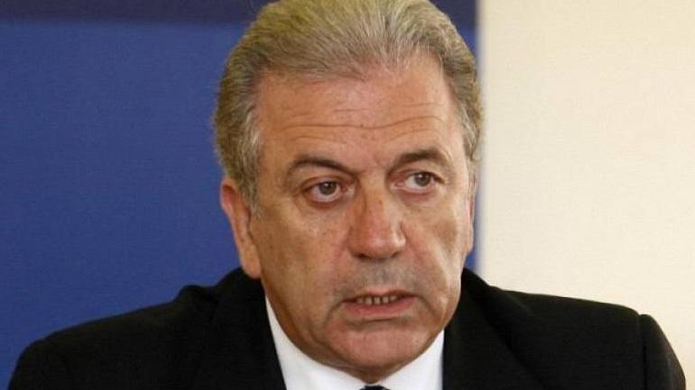 Να δείξουν αλληλεγγύη στην αντιμετώπιση των κοινών προκλήσεων ζητά από όλες τις χώρες ο Δ. Αβραμόπουλος
