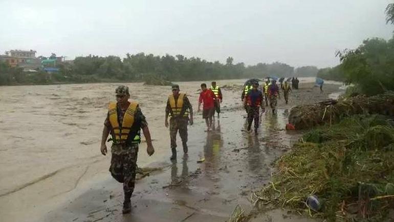 Τουλάχιστον 165 νεκροί από πλημμύρες εξαιτίας των μουσώνων σε Ινδία - Νεπάλ και Μπανγκλαντές