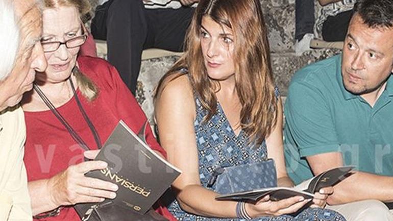 Νίκος Παππάς: Σπάνια δημόσια εμφάνιση με τη σύζυγό του στην Επίδαυρο