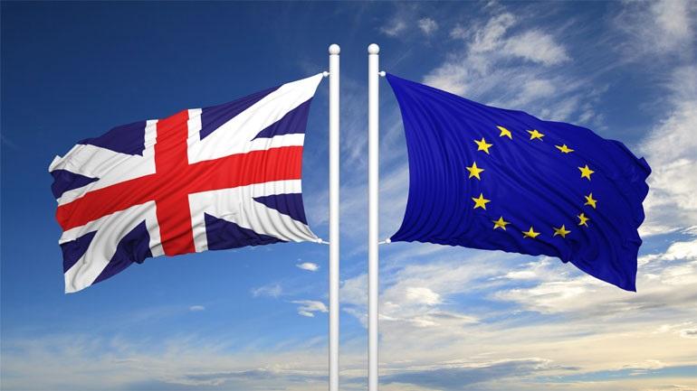Η βρετανική κυβέρνηση θα παρουσιάσει πέντε νέα έγγραφα για το Brexit