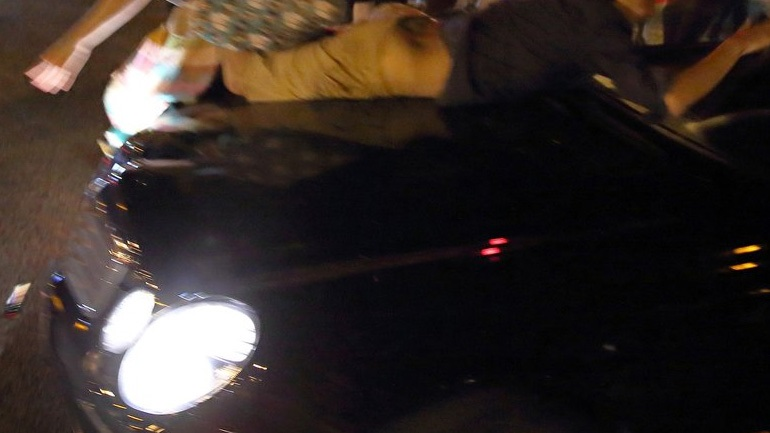 Όχημα παρέσυρε διαδηλωτές στο Σεντ Λούις! (Εικόνες)
