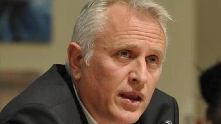 Πλαφόν στις θητείες βουλευτών - υπουργών προτείνει ο Γ. Ραγκούσης