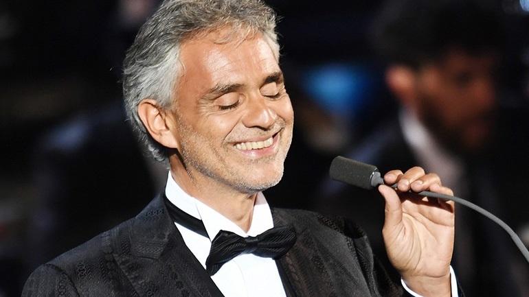 Εσπευσμένα στο νοσοκομείο ο διάσημος Ιταλός τενόρος Andrea Bocelli