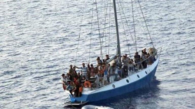 Εντοπίστηκε το ιστιοφόρο με τους μετανάστες που έπλεε ακυβέρνητο νότια της Γαύδου