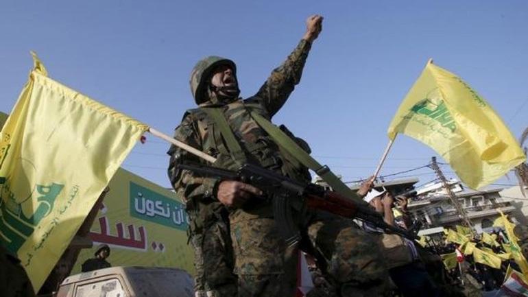 Συρία: Η Χεζμπολάχ κατηγορεί τις ΗΠΑ ότι βοηθούν τους τζιχαντιστές του ΙΚ