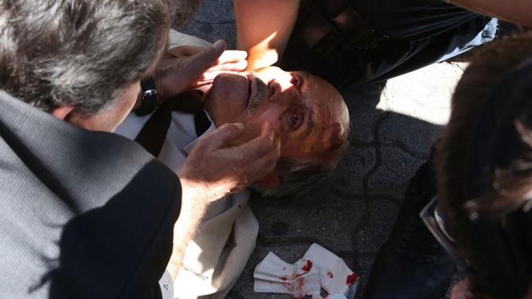 Άνδρας των ΜΑΤ προκάλεσε την πτώση ηλικιωμένου από σκάλα στην Ευελπίδων