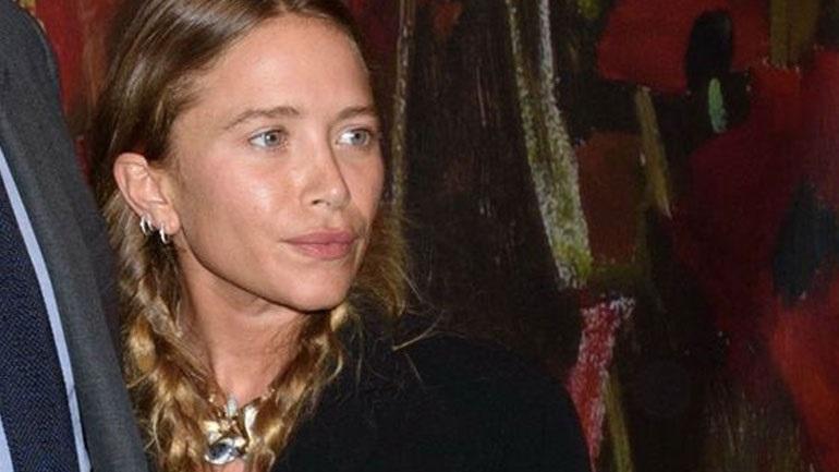 Η σπάνια δημόσια εμφάνιση της Mary-Kate Olsen με το σύζυγό της, αδελφό του Νικολά Σαρκοζί