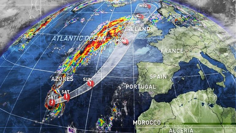 O κυκλώνας «Οφηλία» πλησιάζει την Ευρώπη